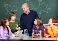 Кому нужны дополнительные курсы в школах?