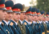 Минобороны возвращает бесплатный проезд абитуриентам военных училищ