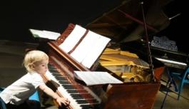 Добавление выпускникам художественных и музыкальных школ баллов к ЕГЭ